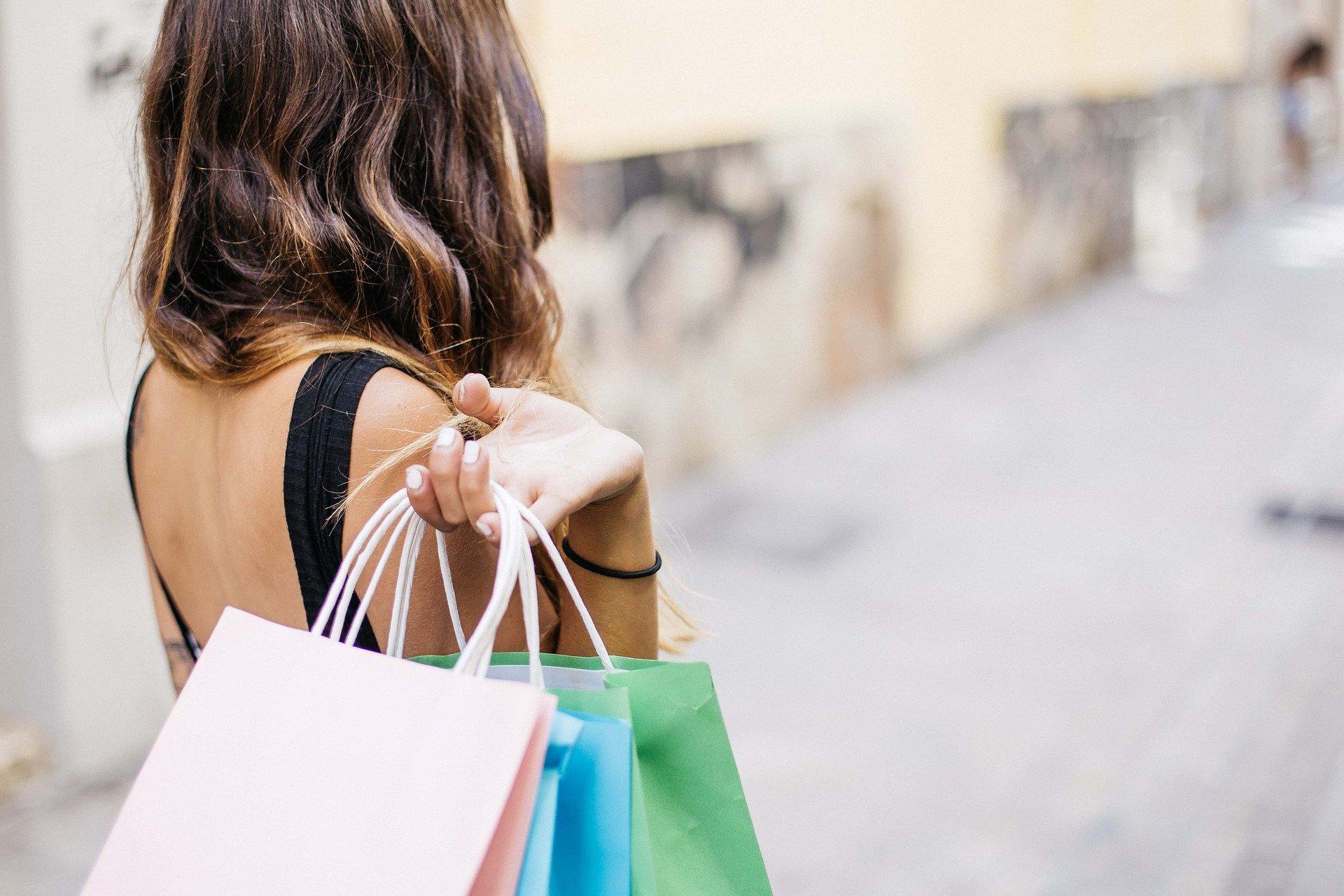Le sac personnalisé: un objet unique et utile pour faire le shopping